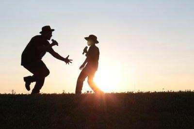 ダンスを踊る男の子