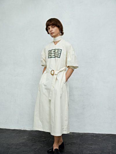 細かすぎて伝わらないモノマネの吉岡里帆の衣装②