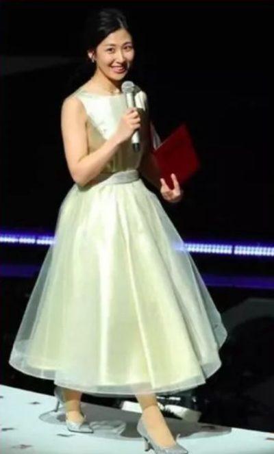 2017年紅白の桑子真帆の衣装