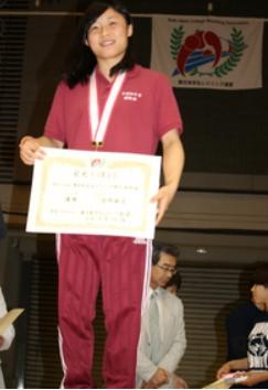 須崎優衣の姉・麻衣がレスリング大会で優勝