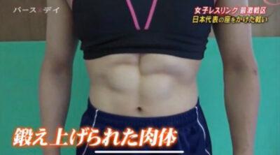 須崎優衣の腹筋②