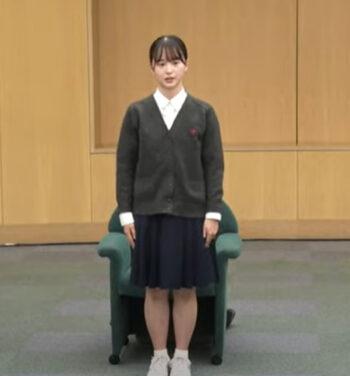 飯沼愛の高校の制服姿②
